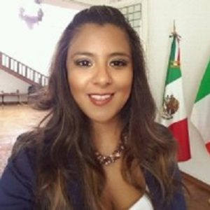 Dra. Victoria Alva Lugo